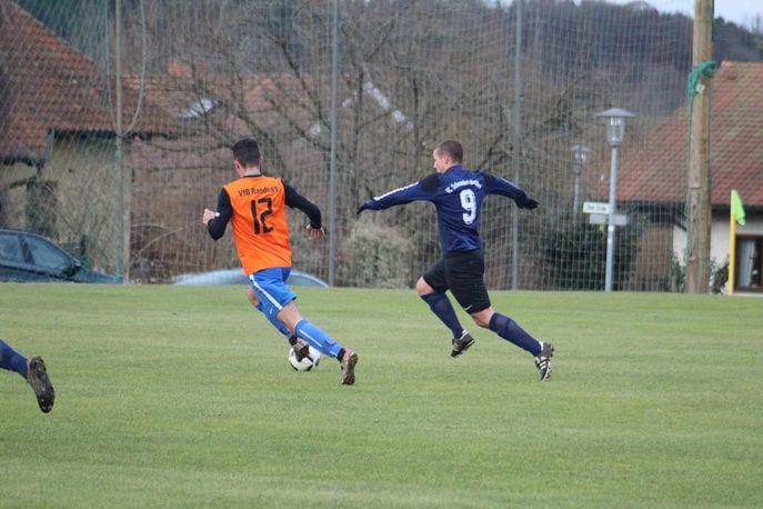 Wunderlich trifft beim FC Sieg gegen den VFB aus 40 Metern